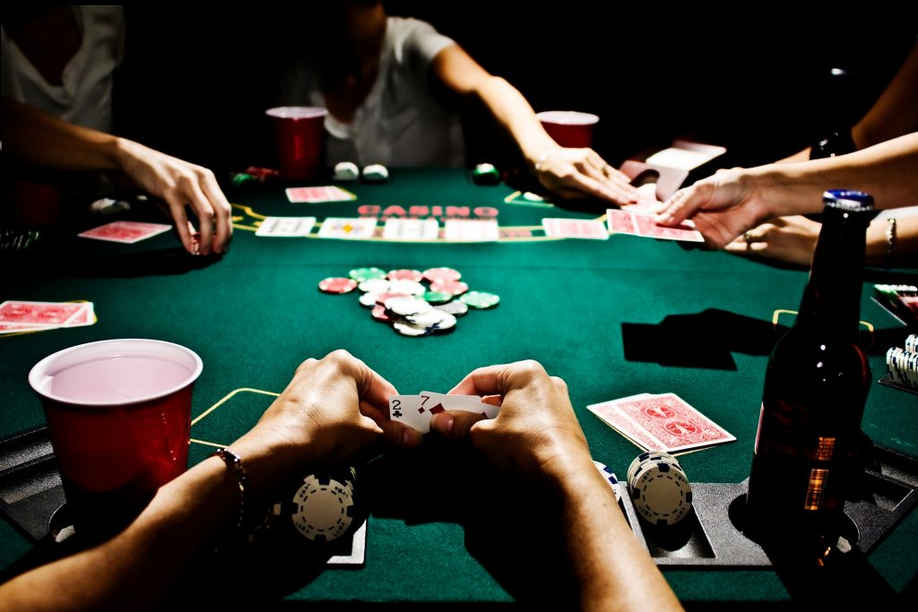 Reasons for the popularity of poker