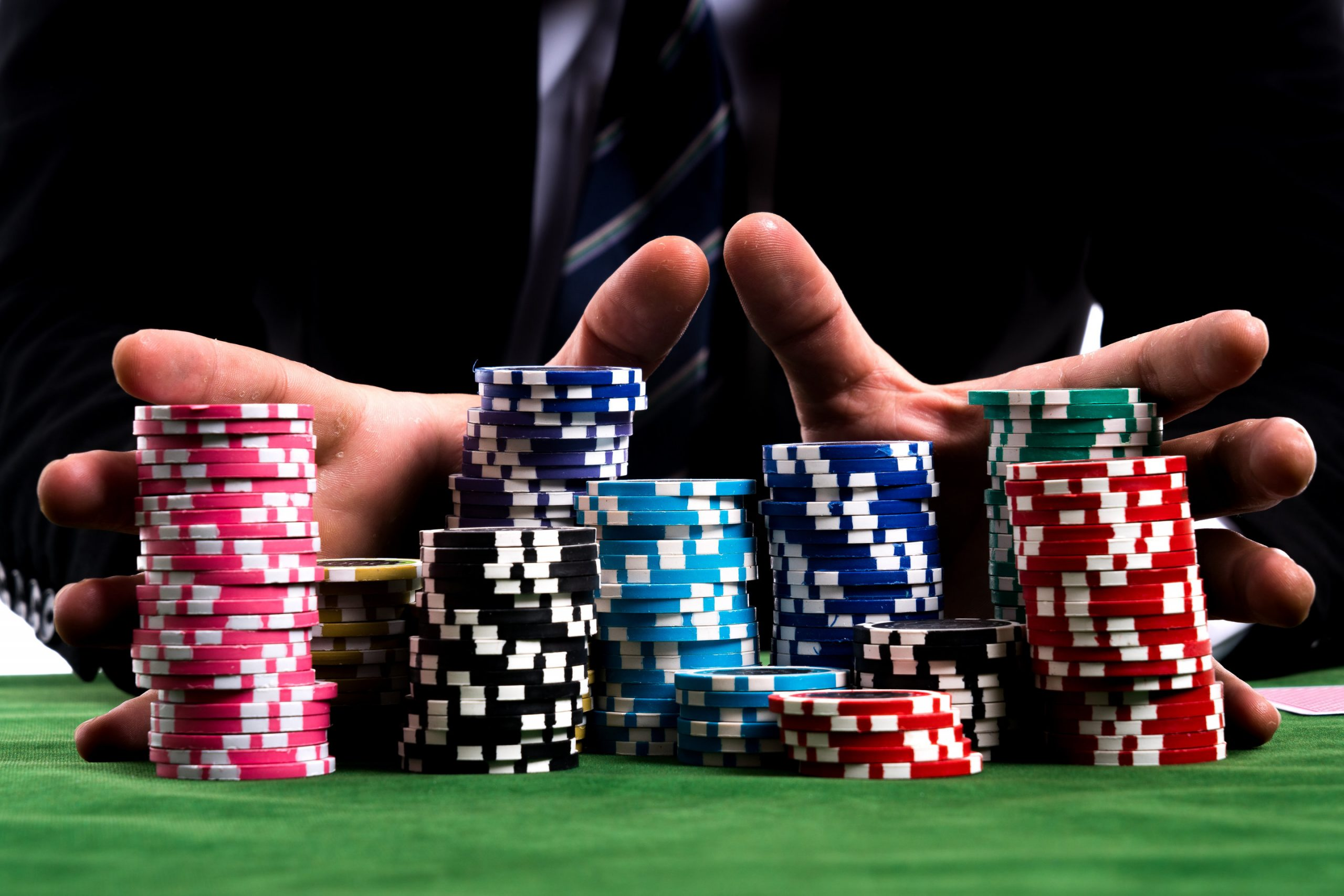 How to become rich by playing poker